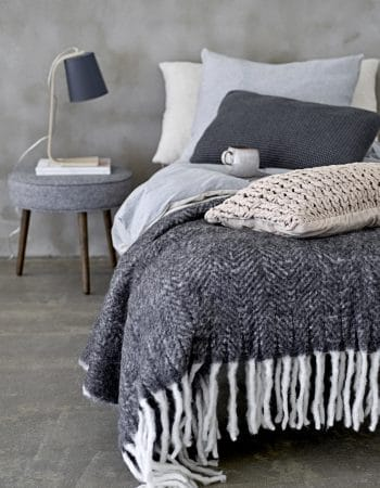 Cushions, Throws & Accessories